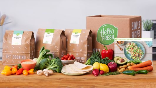 105073794-20170712_HelloFresh3983-CounterBoxBagsCards-Veggie.530x298.jpg